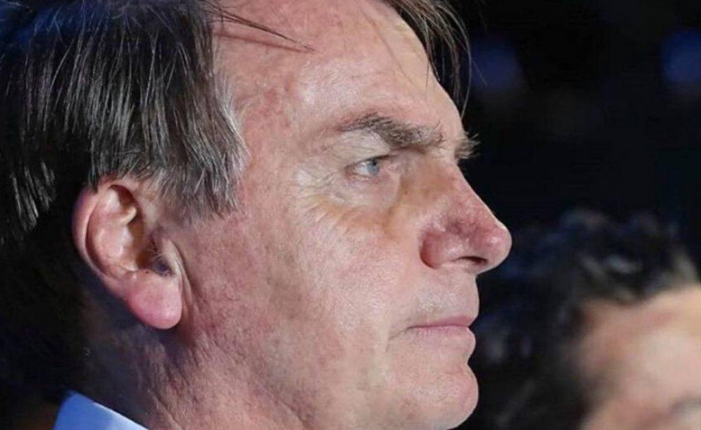 Bolsonaro vetó el uso obligatorio de tapabocas en lugares cerrados