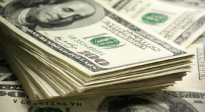 Los bancos vuelven a vender dólar ahorro