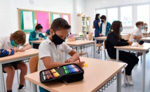 Italia busca contratar 32 mil docentes para garantizar las clases en la pandemia