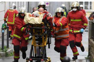 París: ataque con cuchillo cerca de la exsede de la revista Charlie Hebdo