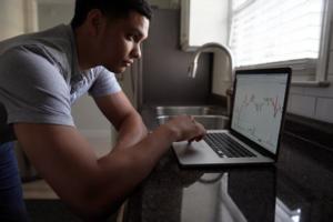 Cómo asegurar tu inversión estableciendo Órdenes de Stop-loss y Take Profit
