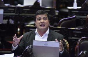 Casaretto presentó un proyecto para correr la fecha de las elecciones