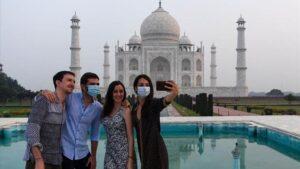 El Taj Mahal reabrió sus puertas tras dos meses de cierre