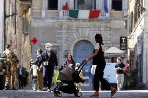 Baja la desocupación en Italia pese a la pandemia
