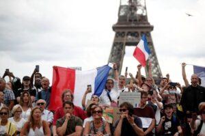 El Parlamento de Francia aprobó el certificado sanitario