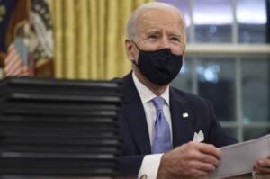 Biden anunció la obligación de vacunarse a los empleados federales