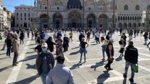 Italia no descarta la obligatoriedad de la vacuna contra el COVID-19